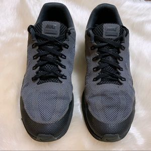 Men's 7.5 Nike Air Max Dynasty 2 Running Shoes